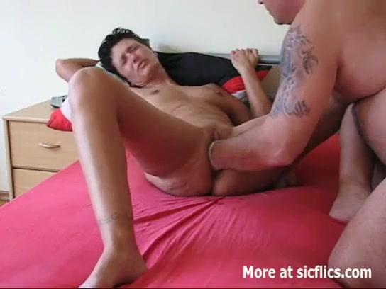 Lautes männliches Stöhnen Orgasmus