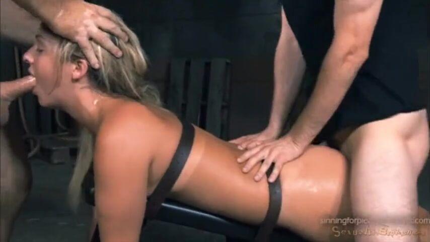 Bondage Gangbang Arsch lecken
