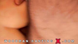Harte dreifache Penetration für die Russin Polly Sunshine beim Casting bei Woodman