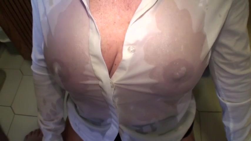 Frauen brüste reife grosse Große titten