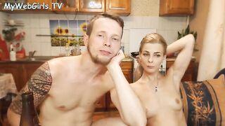 Grimbergen07 - Typ fickt seine Freundin im privaten Porno-Chat in den Arsch