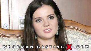 Porno Casting von Pierre Woodman mit einer jungen russischen Schönheit Lisa