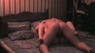 Blonde Prostituierte fickt einen Kunden (versteckte Kamera im Salon mit Prostituierten)