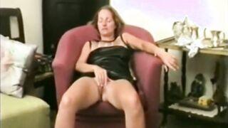 Selbst gemachter Retro-Porno, der auf einer VHS-Kamera geschossen wird