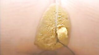 Blonde kackt sich in Strumpfhosen Nahaufnahme