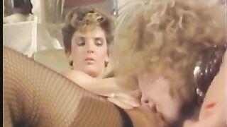 Lesben Retro Porno mit Cunnilingus und Anilingus Blondinen