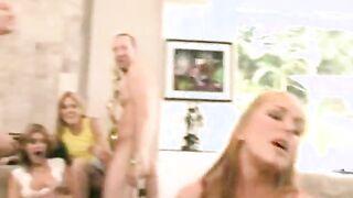 Der stärkste spritzende Orgasmus, der in Pornofilmen gedreht wurde