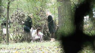 Versteckte Kamera Voyeur erschossen Pissen Frauen in einem Park