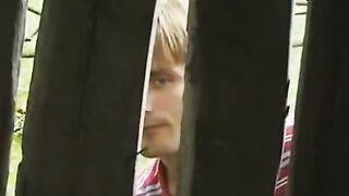Inbrünstiges Ficken in einem russischen Dorf