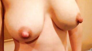 Eine Auswahl von Frauen mit riesigen geschwollenen Brustwarzen