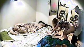 Schneller Sex mit versteckter Kamera ohne Posenwechsel