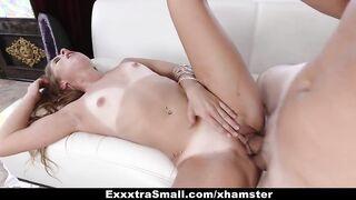 Lässiger Sex mit einem dünnen Küken im Haus