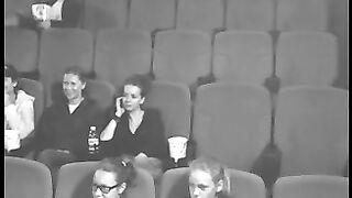 Blowjob im Kino hat einen schlechten Film gerettet