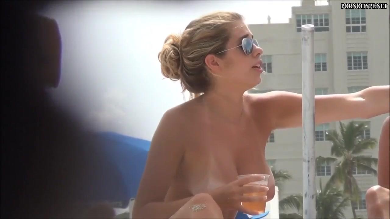Nackte brüste video