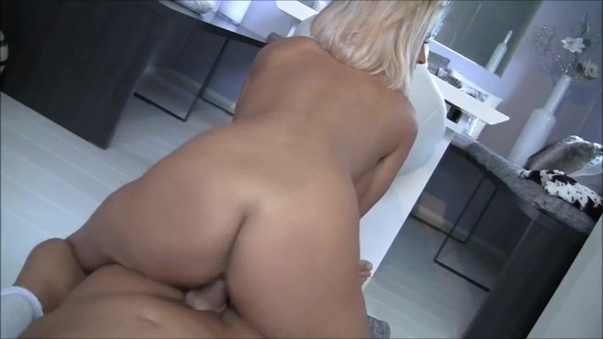 Große Titten Stiefmutter Reinigung