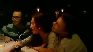 """Betrunkene Alena Piskun an der Bar beim Konzert """"VIA Gra"""" gefickt"""