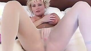 Fetisch Nylon Strumpfhosen masturbiert Fotze
