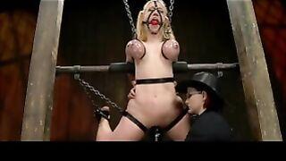 BDSM-Liebhaber genießt brutale Folter im Keller