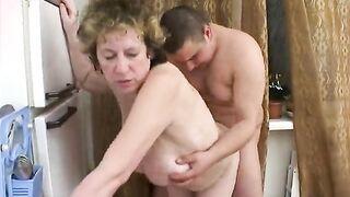 Fetter Sohn knallt fette russische Mutter