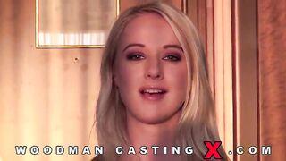 Drei Jungs haben bei Woodmans Casting alle Risse von Lilith Lee hart durchgefickt