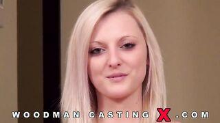 Die Tschechin Katy Rose wurde bei einem Casting von einem Typen und Woodman in den Arsch gefickt