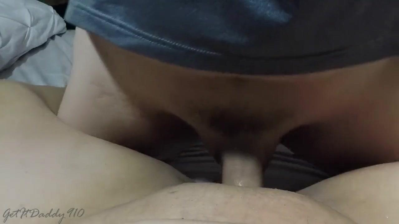 Mann spritzt sperma