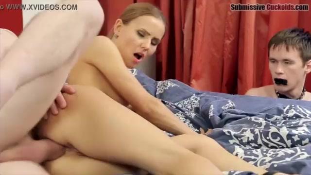Frau fickt mann anal