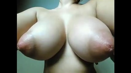 Extrem lange brustwarzen