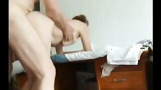 Guy fickt seine Schwiegermutter zu Hause mit einer versteckten Kamera